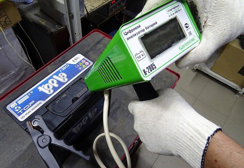 Цифровой анализатор батарей