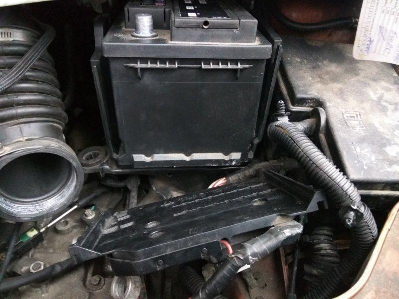 Установка АКБ Ford Kuga