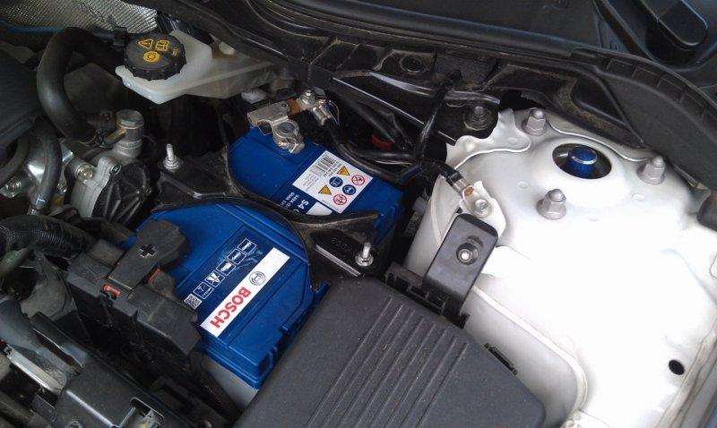 Установка АКБ Mazda CX-5